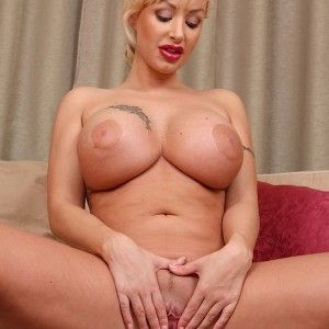 Big boobs nackt playboy blondinen,