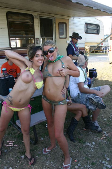Infield nackt girls nascar party