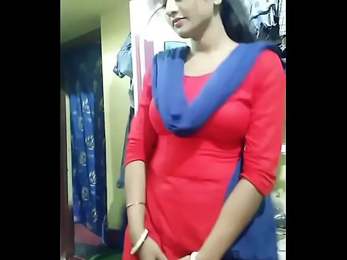 Boobs der maxi in bhabhi