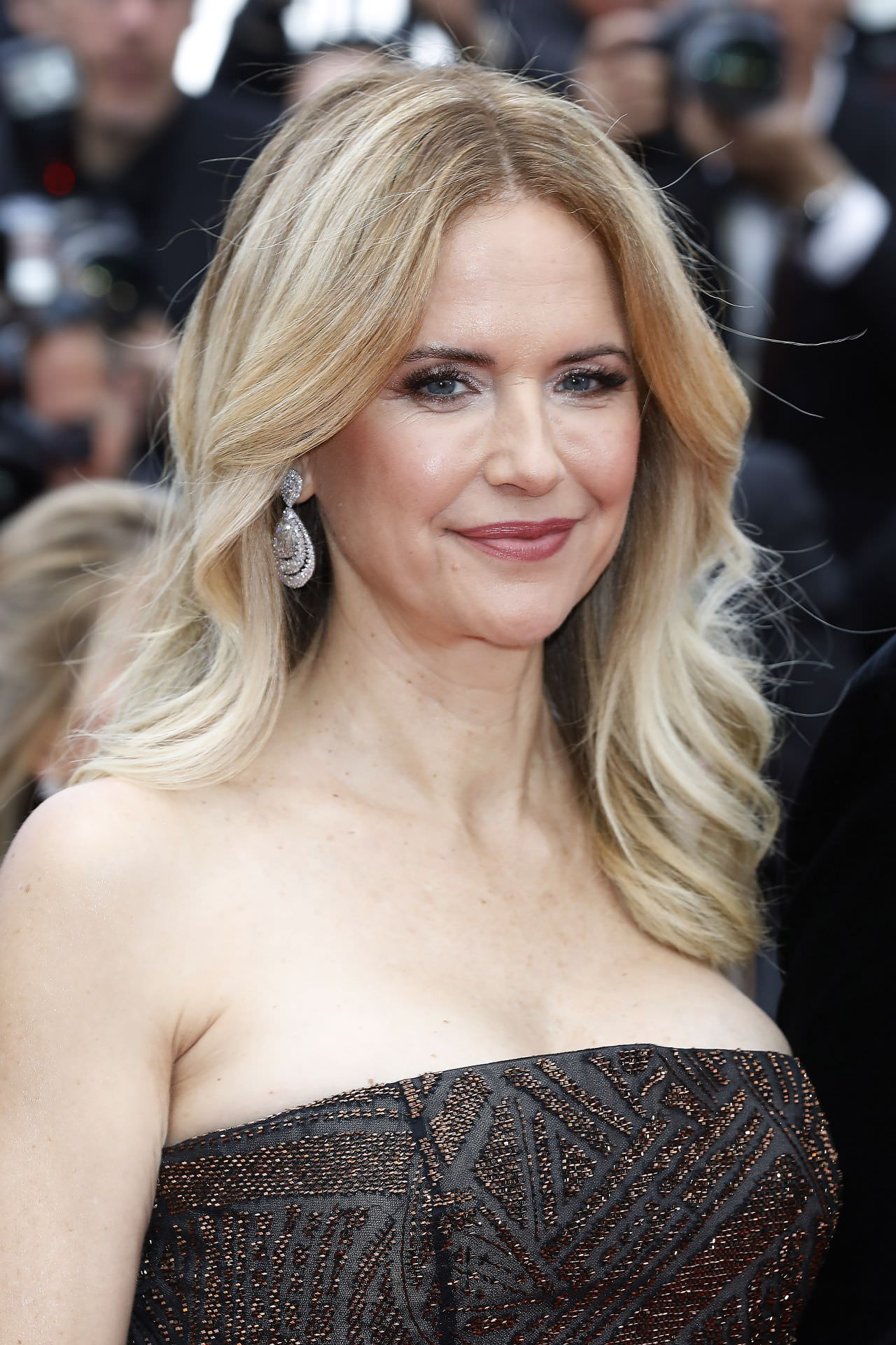 In kelly preston unfug nackt szenen